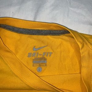 Nike Dri Fit Polyester Blend Athletic Shirt